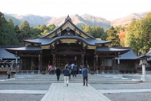 4弥彦神社